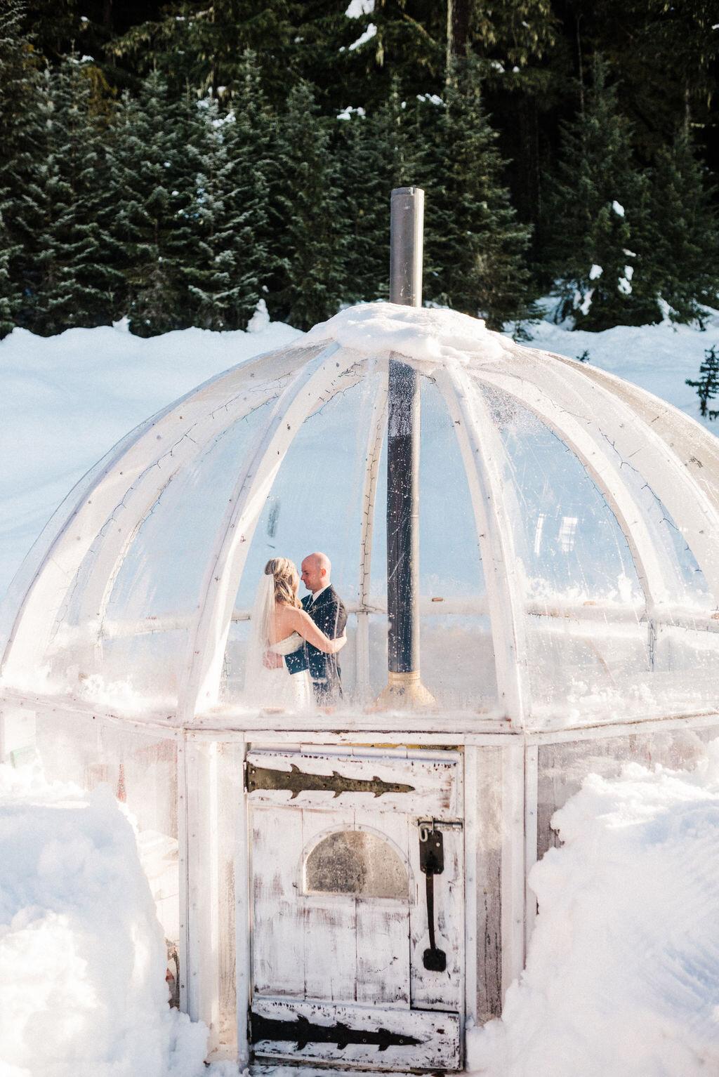 snow elopement winter elope