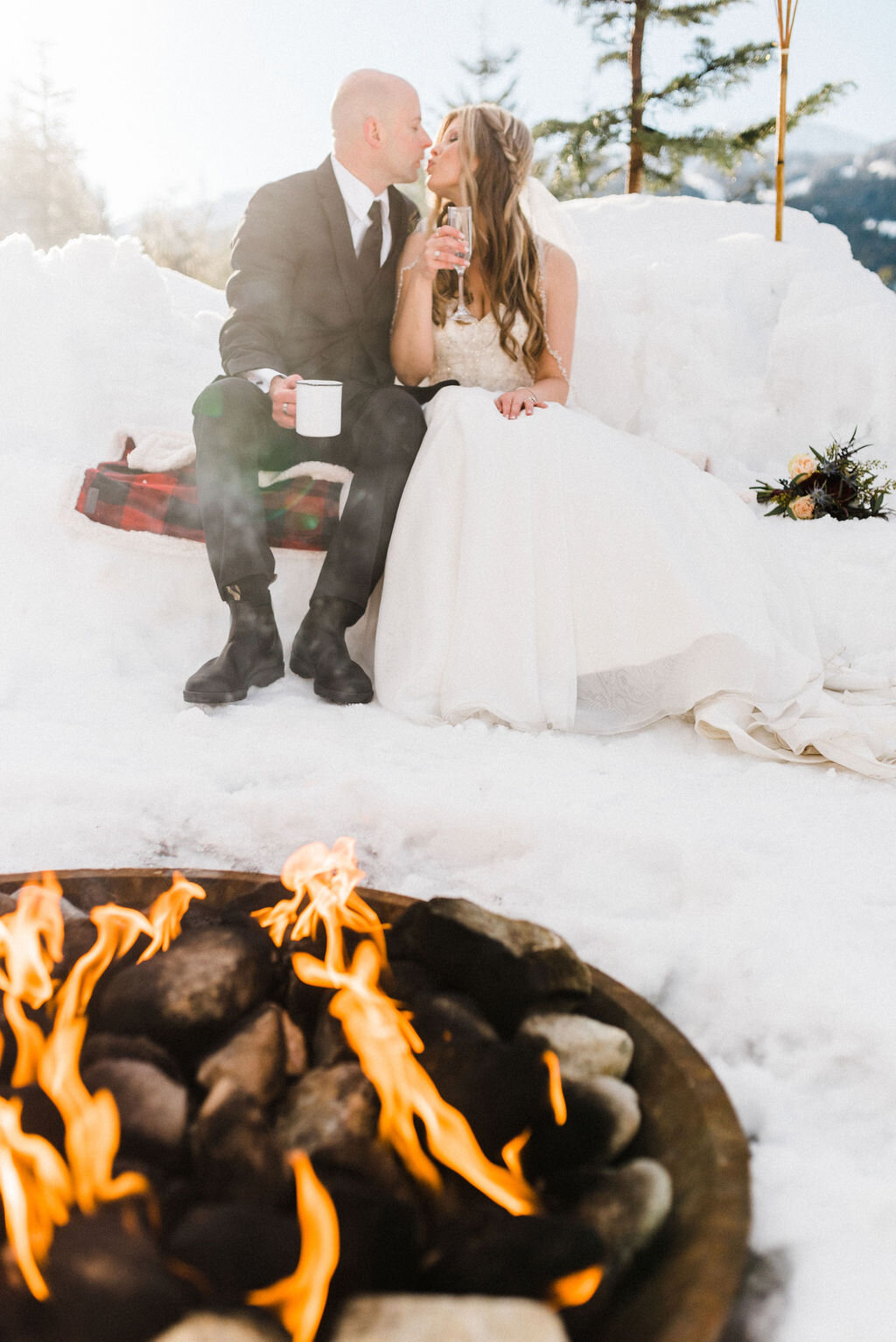 winter wedding elope