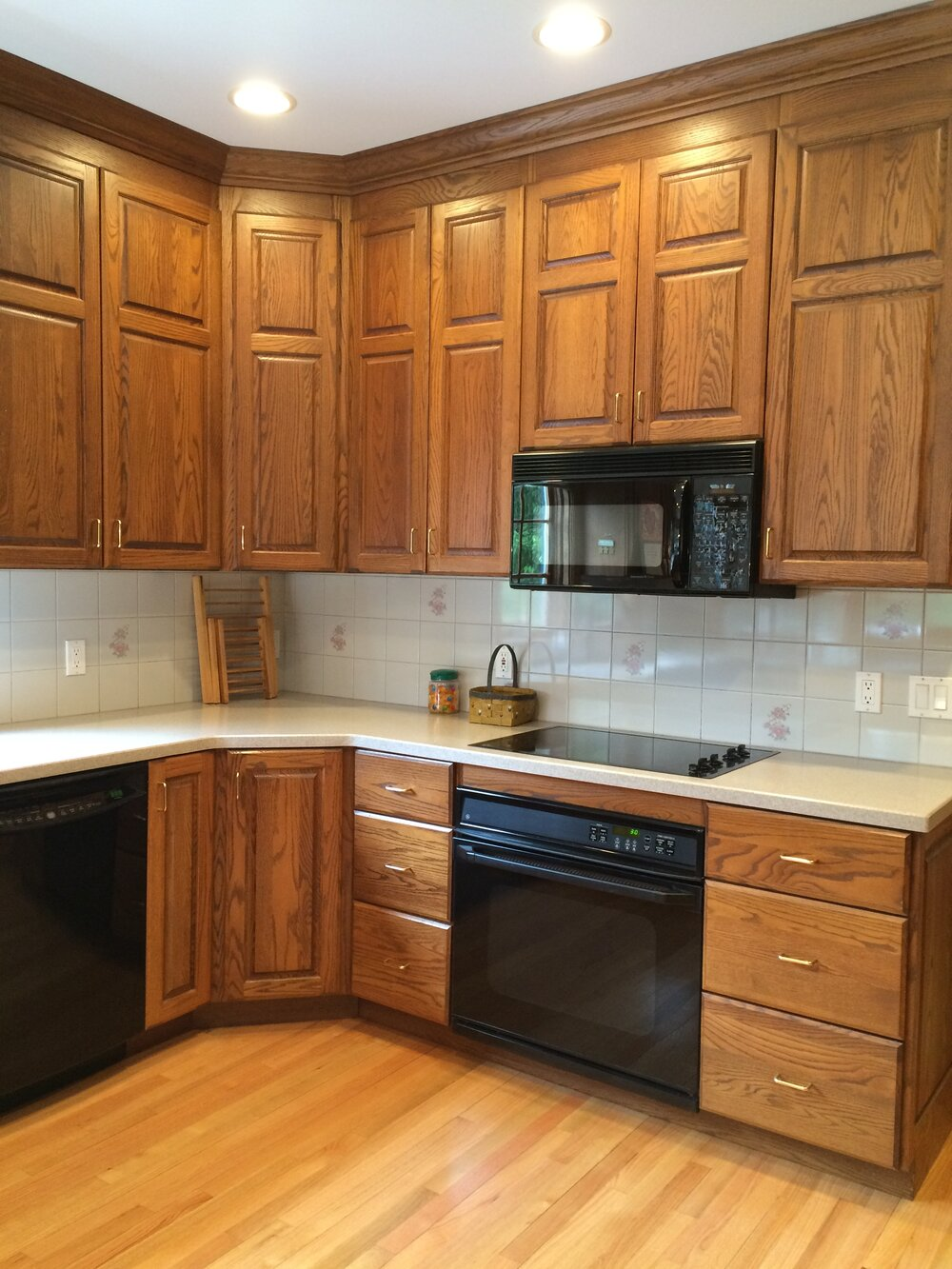 How to make an oak kitchen cool again  — COPPER CORNERS
