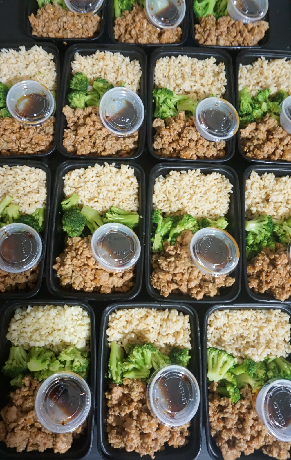 Teriyaki Turkey Bowl  Lean ground turkey bathed in a homemade teriyaki sauce. Served with brown rice and steamed broccoli.