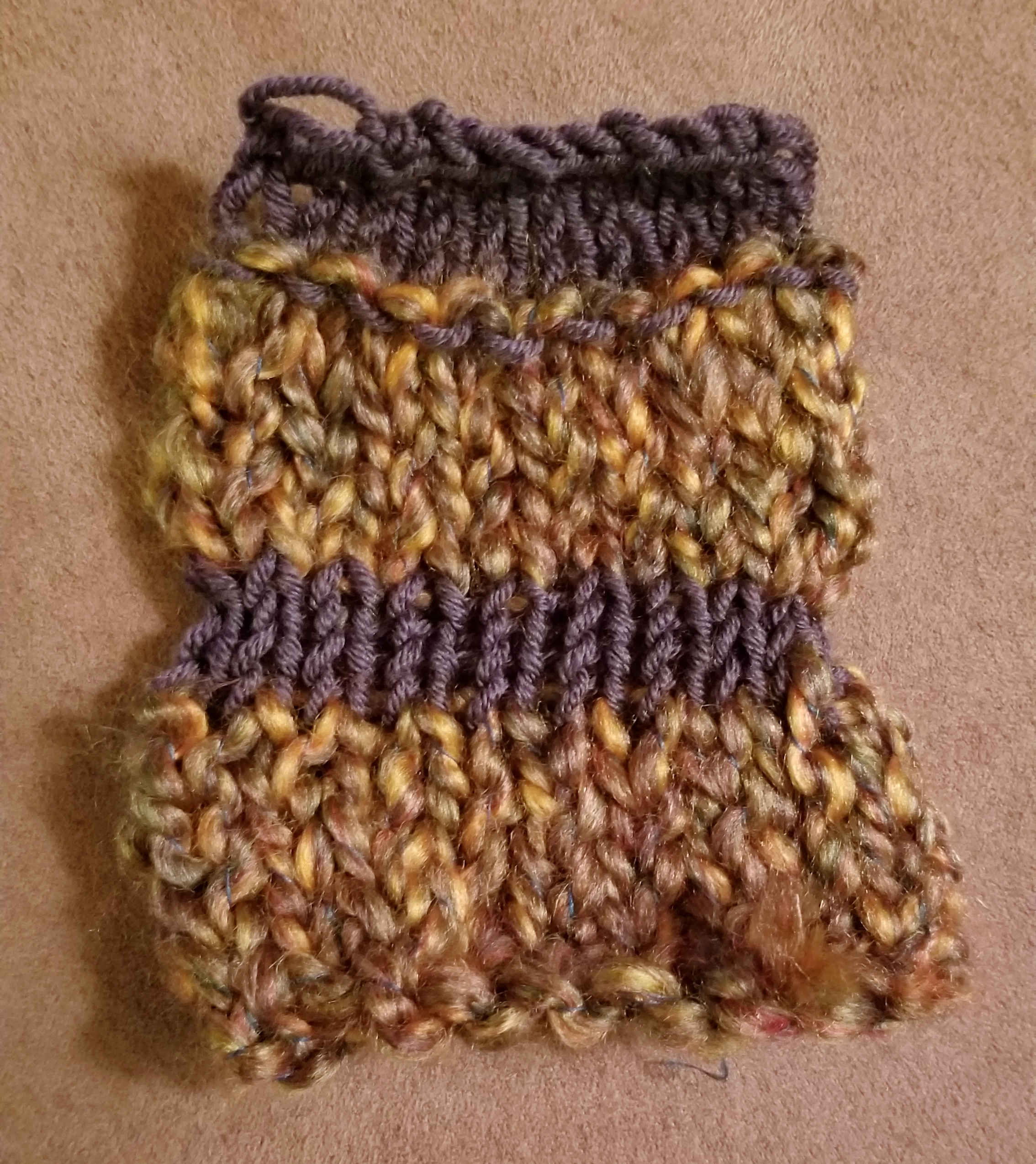 - This sample shows the idea of using two different yarn sizes.