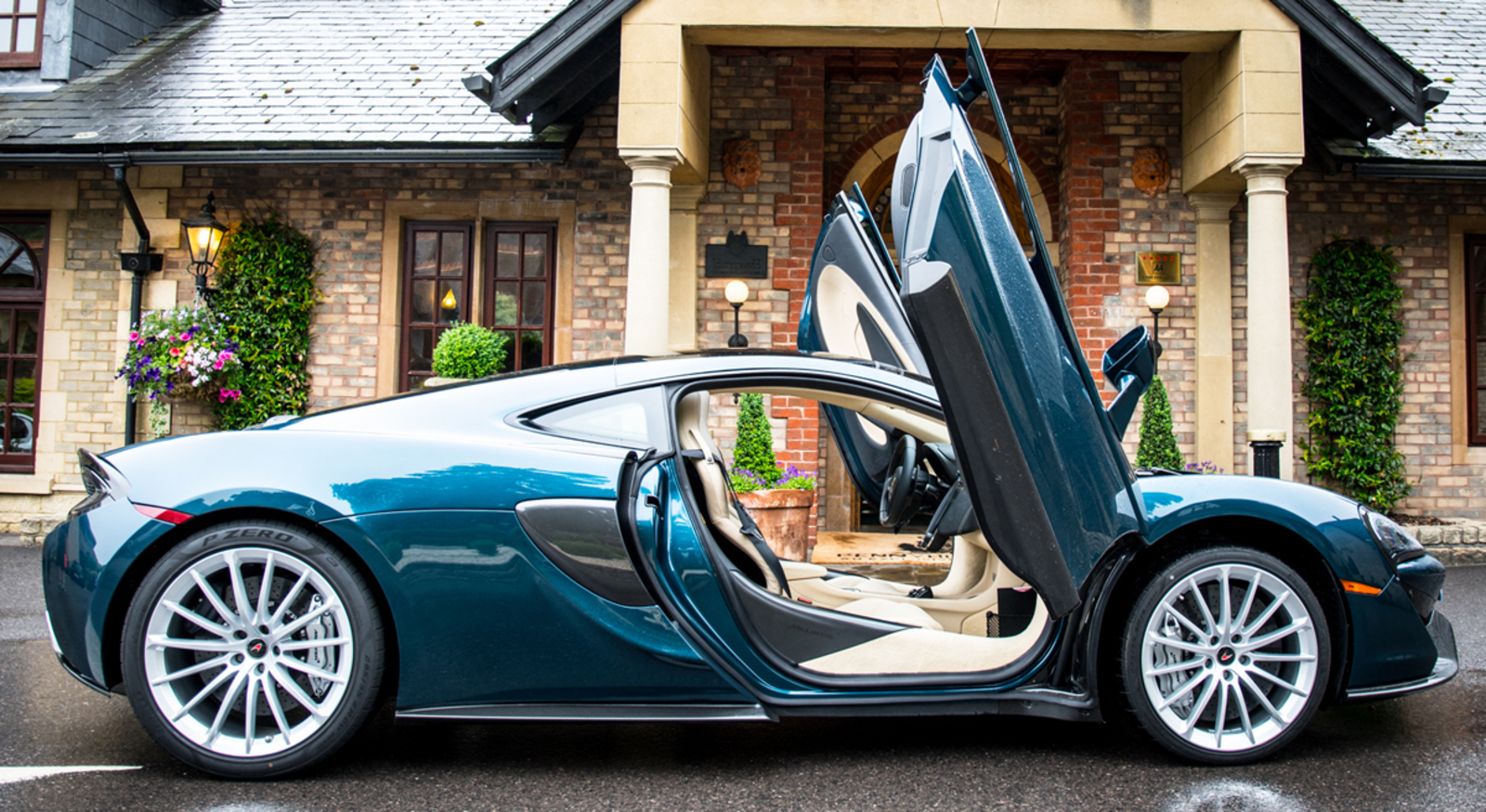 Coolhunting: The Awesome McLaren 570GT
