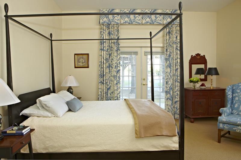 Guest House Room 116.jpg