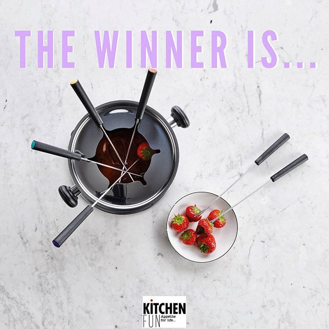 And the winner is … @paulinebgff 🎉 Congratulations with your Cortina Fondue Set!  A big thank you to the all participants, stay tuned for more Kitchen Fun 😋 #giveawayclosed #winner #chocolatefondue #cortina #appetiteforlife #kitchenfun