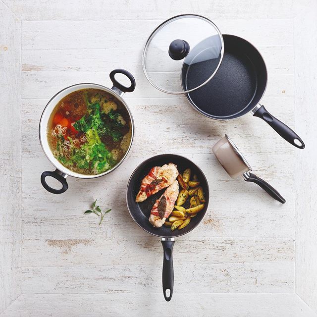 Food is the answer who cares what the question is 😇  Made in our Taupe range📸  #enamel #easytoclean #nonstick #lightweight #foodie #cooking #appetiteforlife #kitchenfun