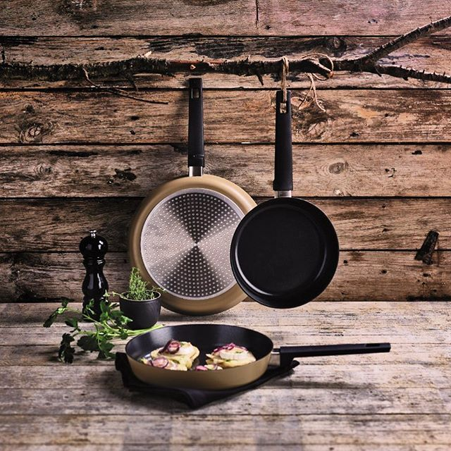 Psst… 👀 Did you already spot our discovery frying pans: healthy ceramic non-stick coating reinforced with titanium 💪  #ceramic #titanium #strong #nonstick #healthy #cooking #kitchen #appetiteforlife #kitchenfun