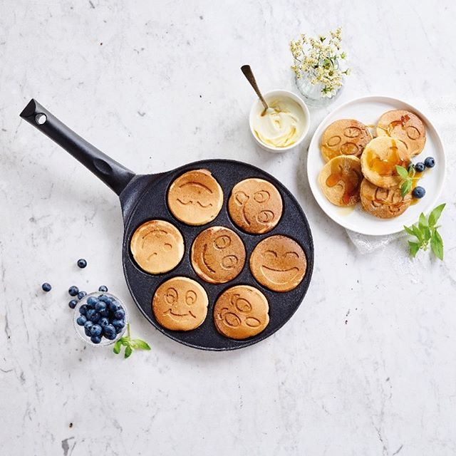 How to turn a rainy day into a happy day? 🤔Try these blinis 😉😛😏 . . #soonavailable . . #happypan #blinipan #rainyday #happyday #happy #smiley #yummy #blini #pancakes #foodie #foodblog #appetiteforlife #kitchenfun