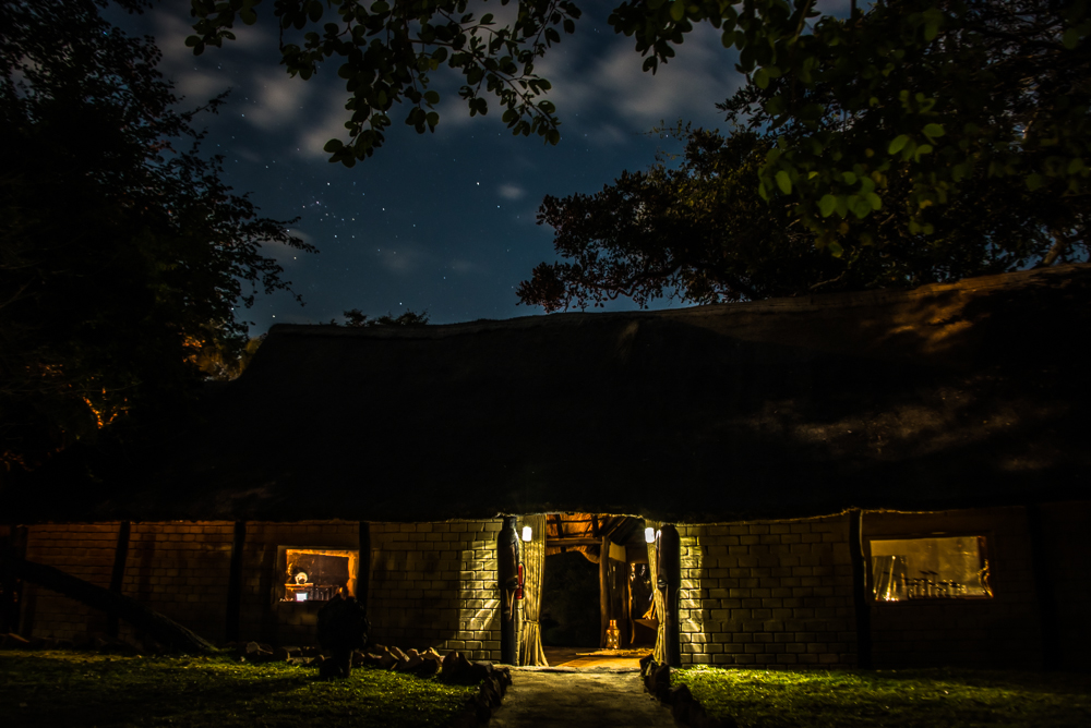 kantunta lodge entrance night.jpg