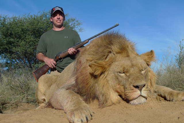 hunt in africa- Dangerous game70.JPG