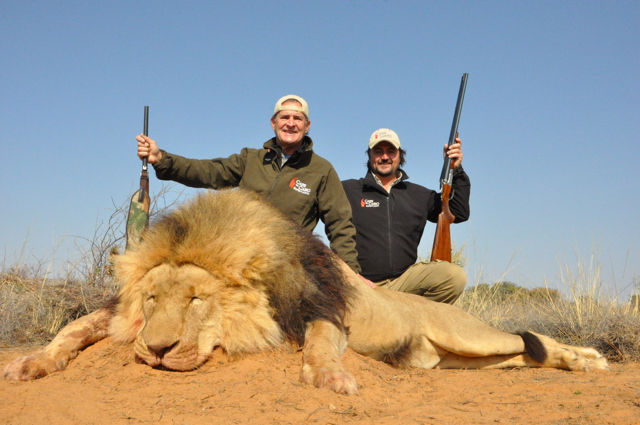 hunt in africa- Dangerous game67.JPG
