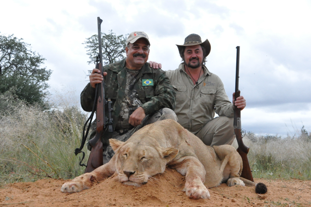 hunt in africa- Dangerous game53.JPG