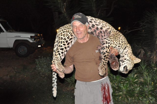 hunt in africa- Dangerous game52.JPG