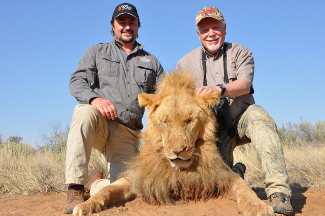 hunt in africa- Dangerous game50.JPG