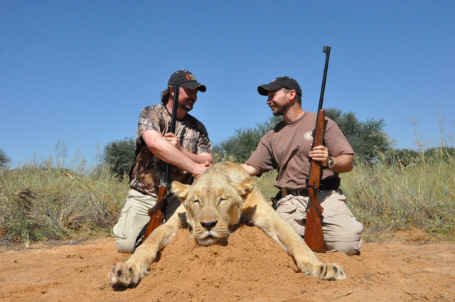 hunt in africa- Dangerous game45.JPG