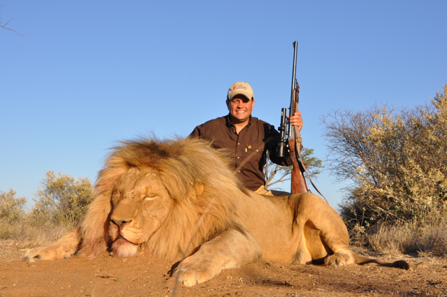 hunt in africa- Dangerous game44.JPG