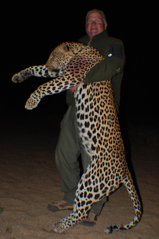 hunt in africa- Dangerous game39.jpg