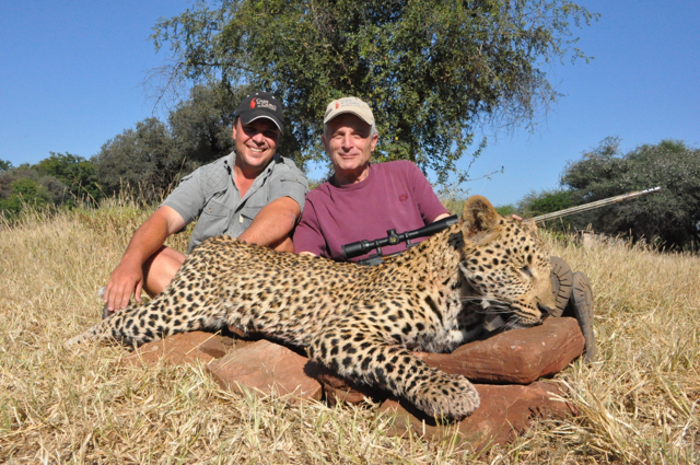 hunt in africa- Dangerous game37.JPG
