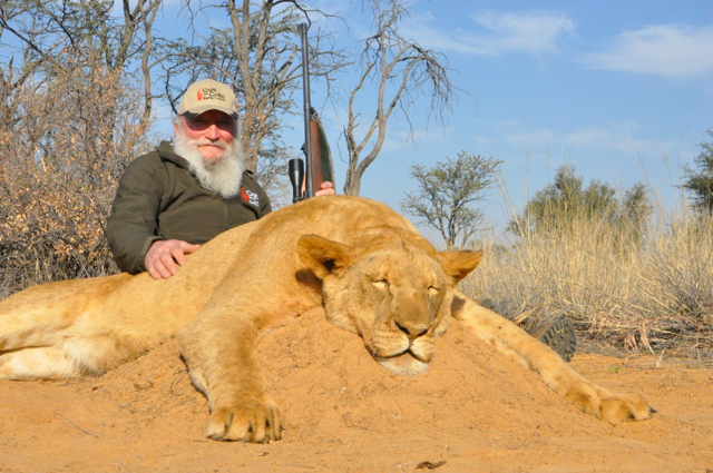 Hunt in Africa- Lion hunting