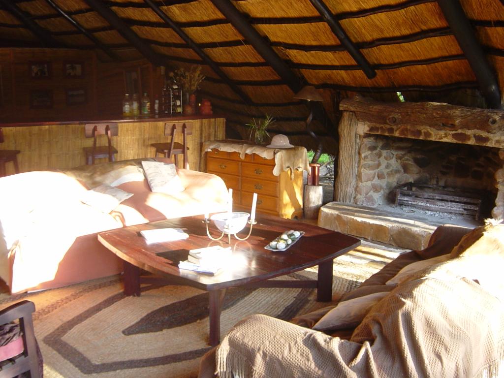 Hunt Zimabawe SE117.jpg