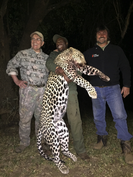 HUNT IN AFRICA PG56.JPG