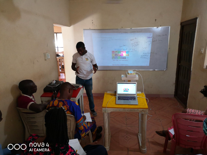 The training session had in attendance Teachers from Delightsome High School, Osogbo Osun State.  @inspirecitizen1  gave the opening  remarks via YouTube  and encouraged the Teachers to strive for global competence.