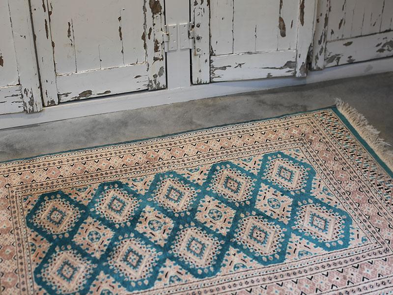 squarecarpet.jpg