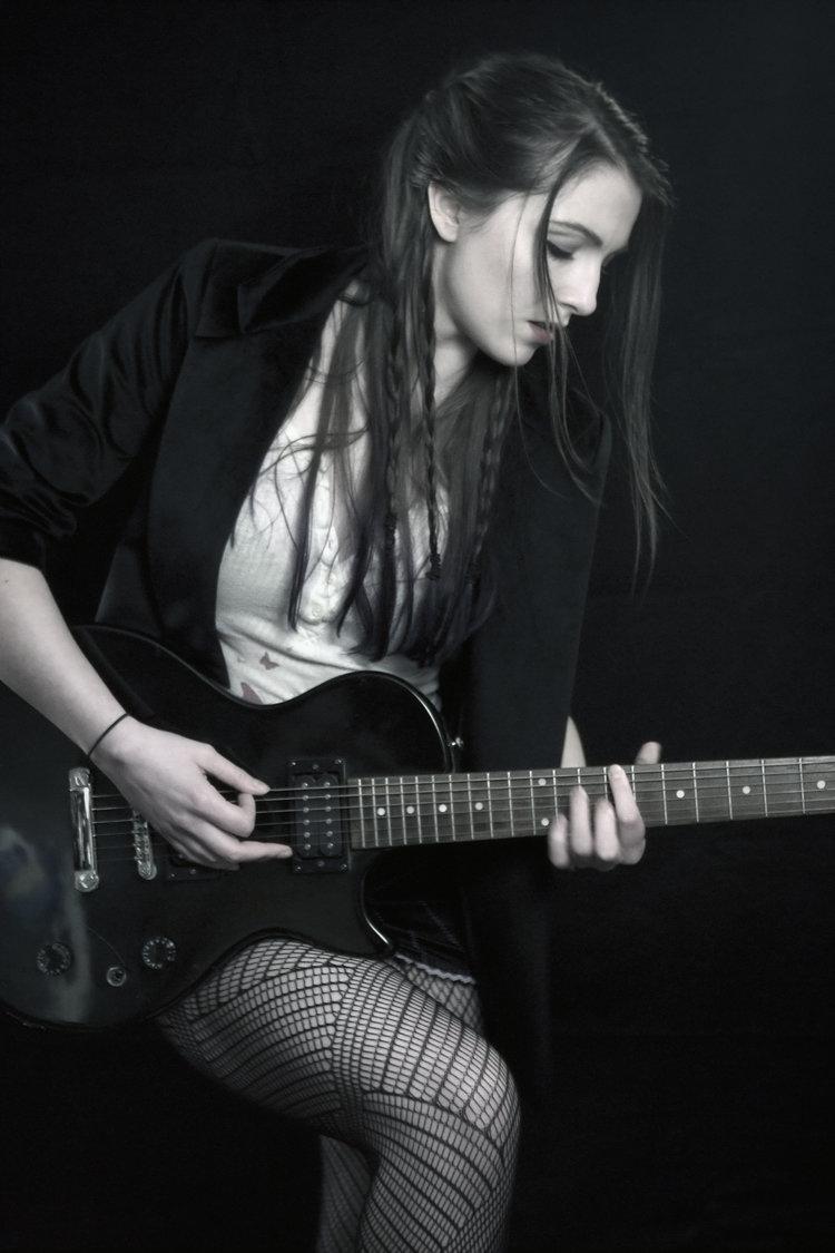 MW_electric_guitar.jpg