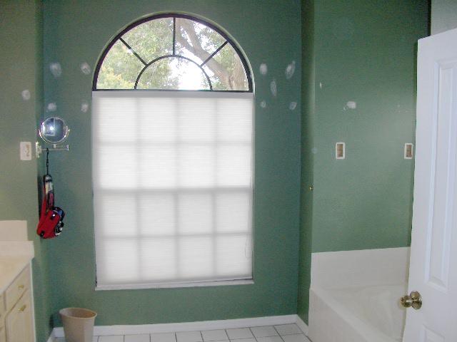 01 Master Bathroom Before 640.jpg