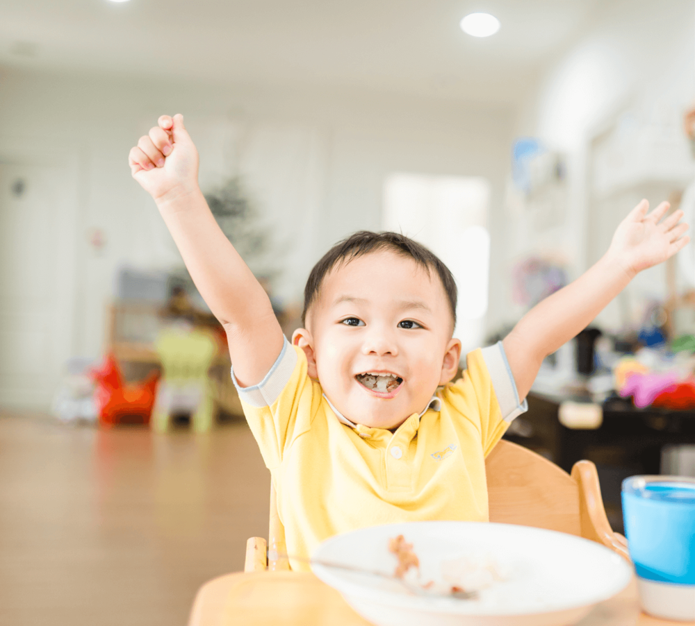 Why children grow up having unhealthy relationships with food and how to avoid them by Sarah Almond Bushell - the Children's Nutritionist