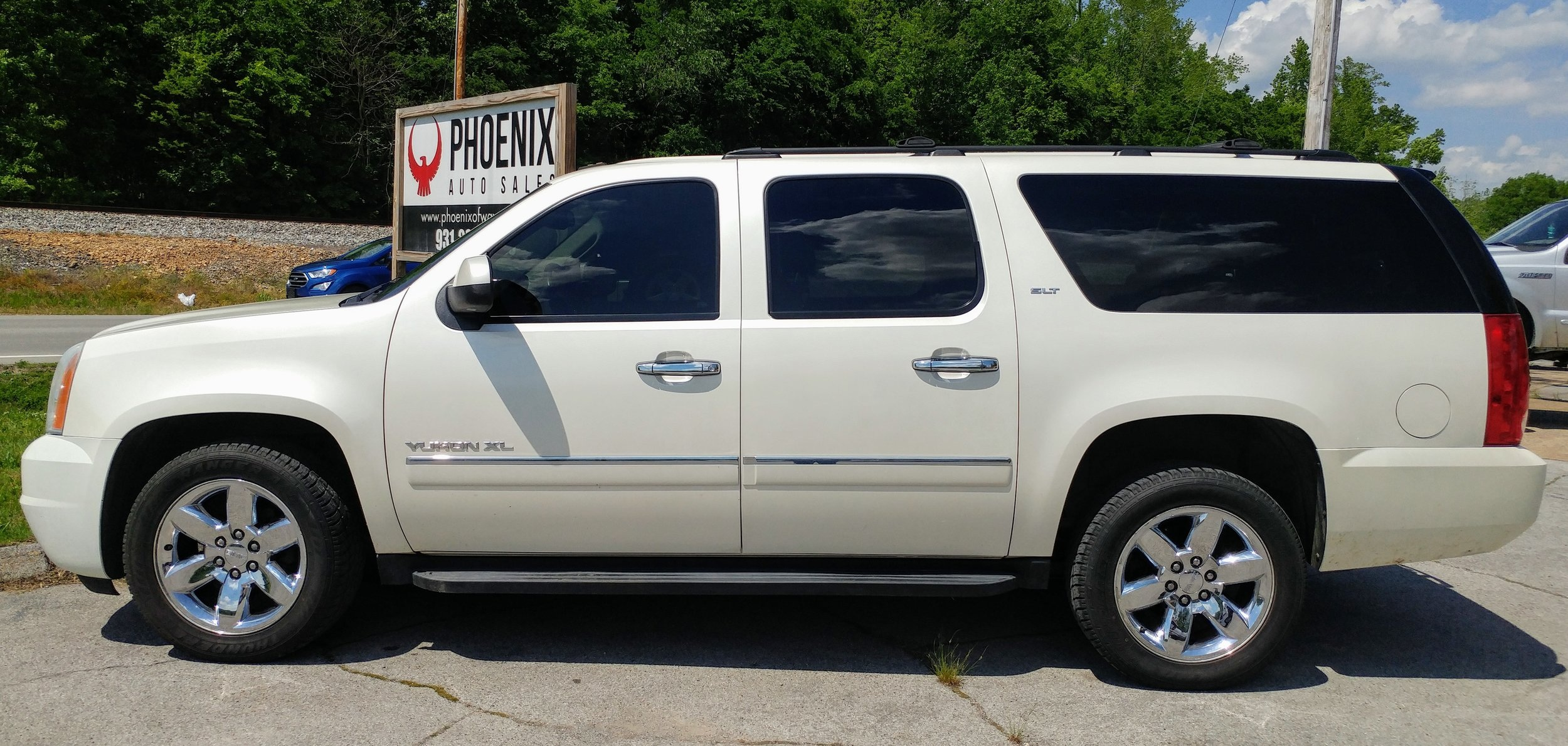 2010 GMC Yukon XL SLT - 230K miles - leather - loaded out - Call for pricing