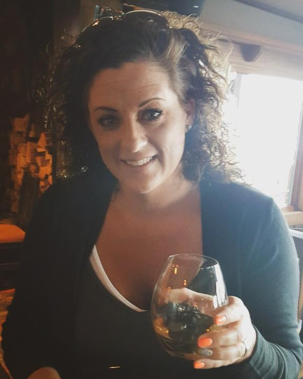 Shout-out to Korie, our Team Member of the week! 😊 Korie has been a bartender with us for over 12 years! Her favorite menu item is the Faro (great choice!) 🍕🍕 Fun Fact about Korie: She rescues stray cats when she sees them in parking lots or on the side of the road, nurses them to a healthy state, and finds each one of them a good home! She's a loves animals and we love her! 🐱 You're the best, Korie! . .#FridayFeature #TeamMemberoftheWeek #sportsbar #uccellos #eatgr#westmi