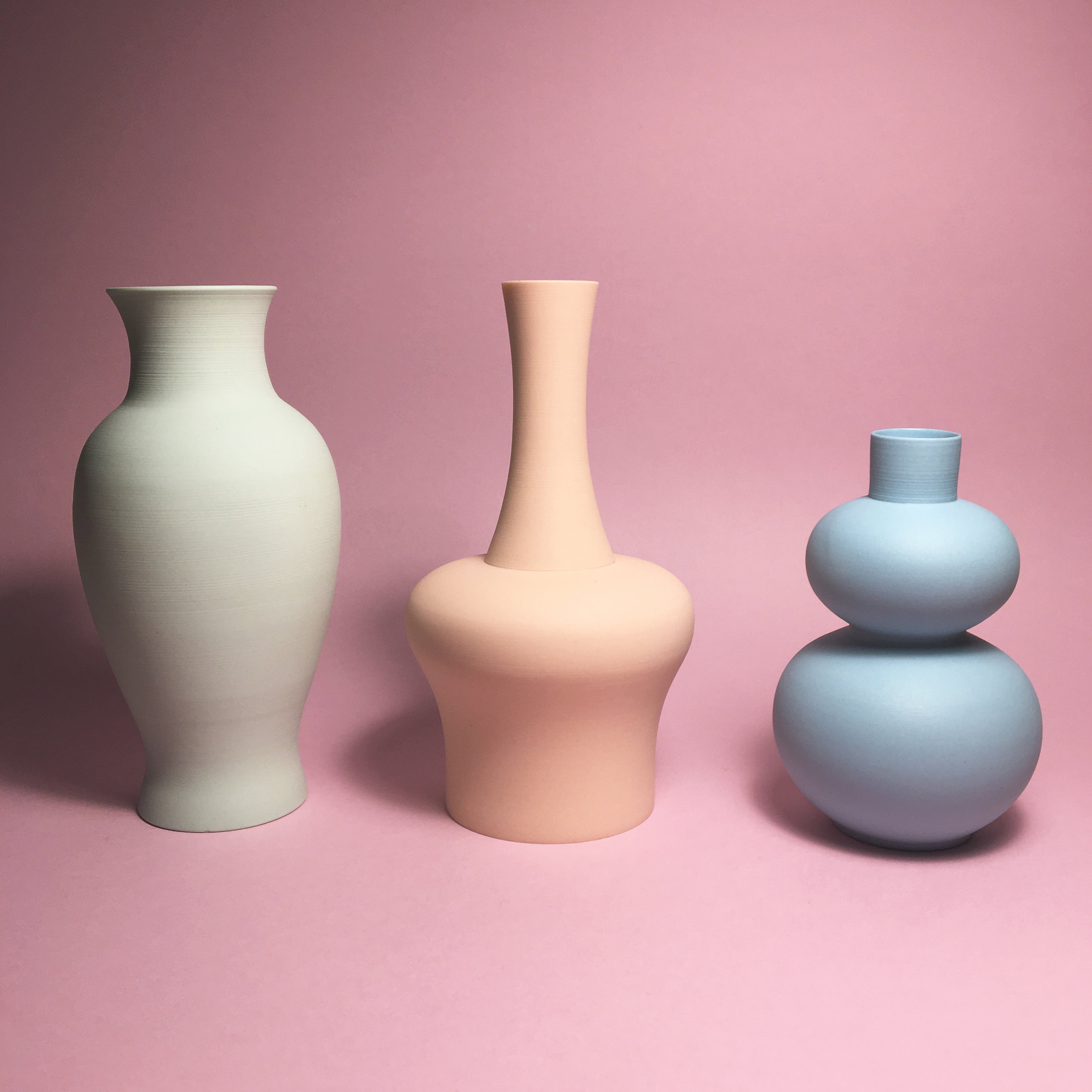 MIDDLE KINGDOM MINI VASE   Credit : Design Hunger