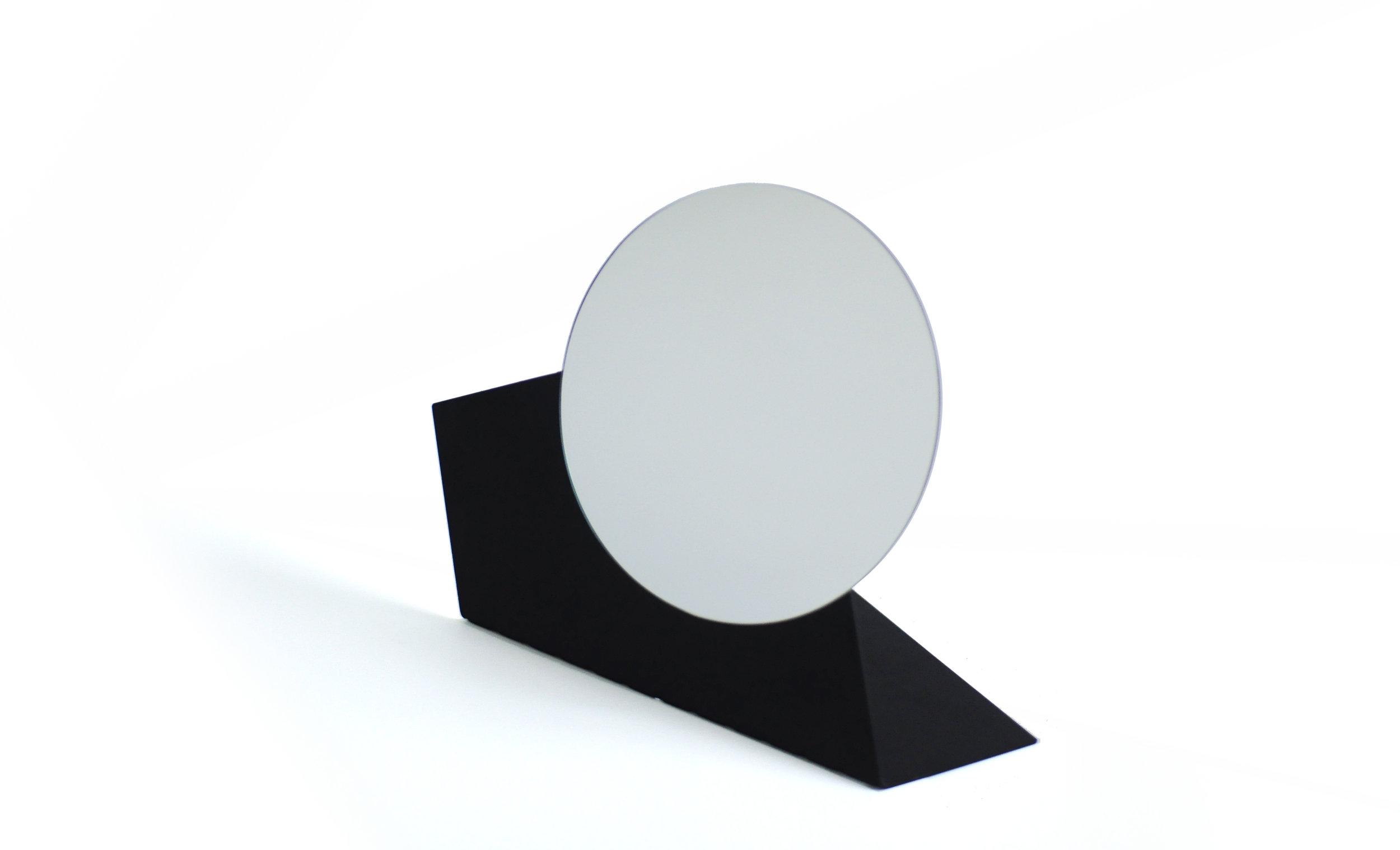 table_mirror.jpg