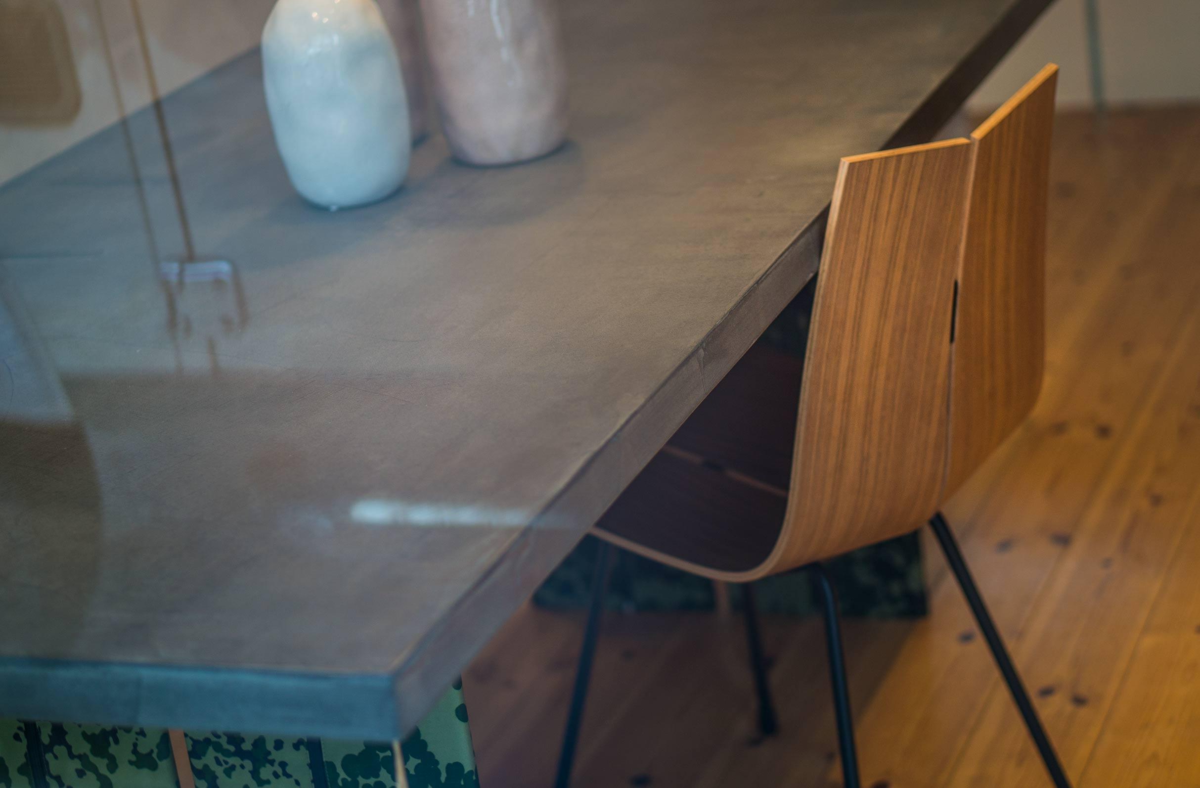 Tisch: Konstantin Manufaktur Stuhl: