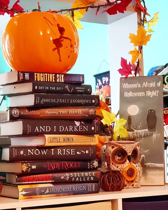 My #SeptemberBookHaul! . The top and bottom books are for my hubby, but the rest were for me! 🙃 . I haven't had a #hugebookhaul in a really long time so I thought it was worth showcasing! . #SkyInTheDeep by #AdrienneYoung because #vikings . #HouseofSaltandSorrows by #ErinACraig cuz #12dancingprincesses #retelling . #CapturingtheDevil by #KerriManiscalco #nuffsaid . #AndIDarken and #NowIRise by #KierstenWhite because I'm trash for #lovetriangles . Thanks to @geronimoreads for nudging me into reading #LittleWomen by #LouisaMayAlcott (eventually), but also because the movie will be coming out December 2019 with #EmmaWatson! Fingers crossed I'll get to this book by then. 🤞🏻 . #TheLadyRogue by #JennBennett - #Dracula #tombraidervibes #adventure #fallreads . Last, but not least #SilenceFallen by #PatriciaBriggs - #MercyThompson is da bomb (I still need to catch up with this series) . BTW, all but one of these were discounted. #LikeaBookNerdBoss