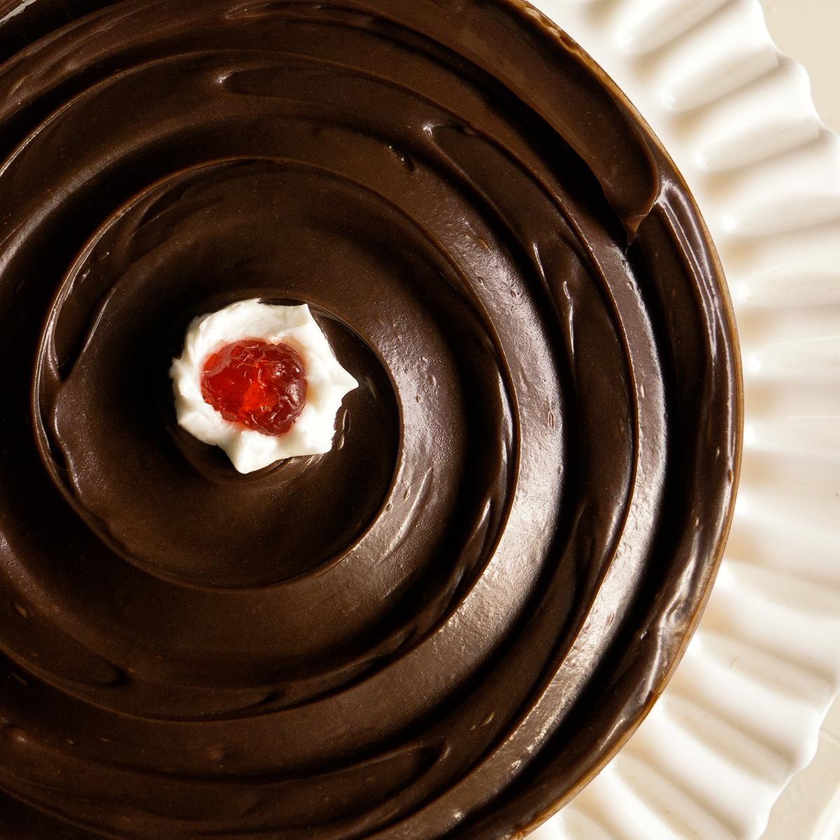 Boston cream pie, flatlay