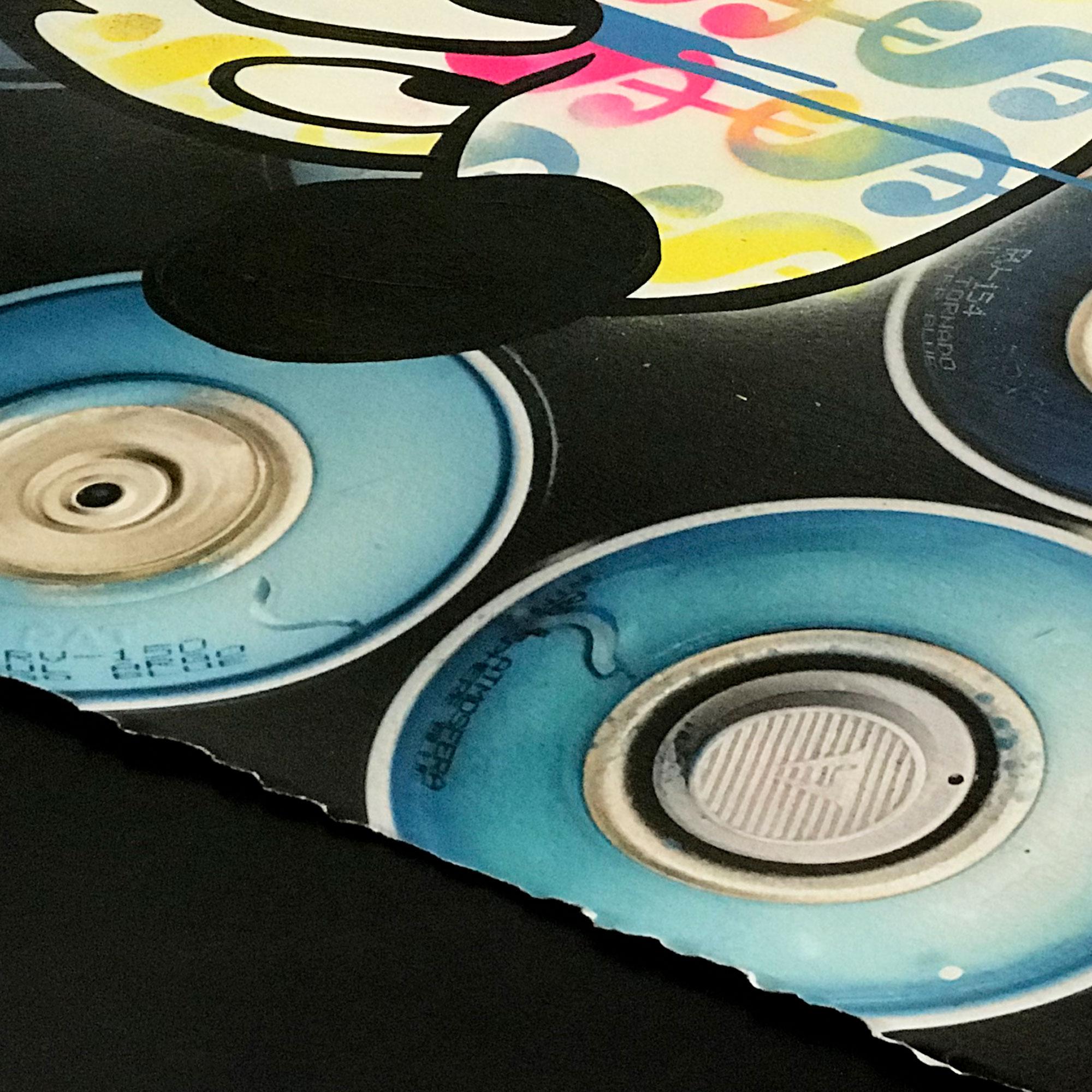 Mickey-Propaganda-Spray-Paint-Blue-Detail-02.jpg