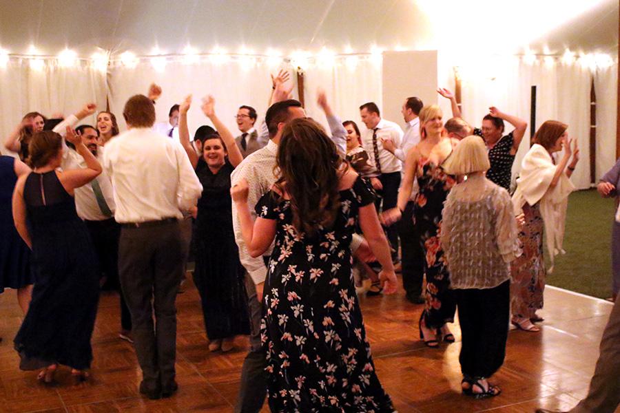 vineyard_wedding_keswick_vineyards_008.jpg