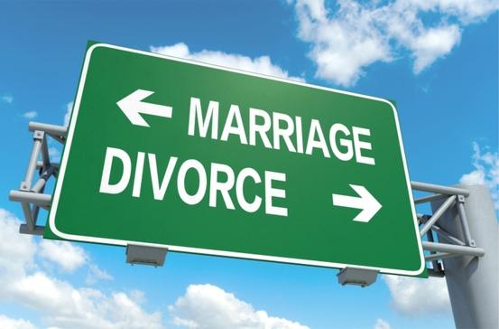2015-07-14-1436888220-3351696-marriagedivorcesign-thumb.jpg