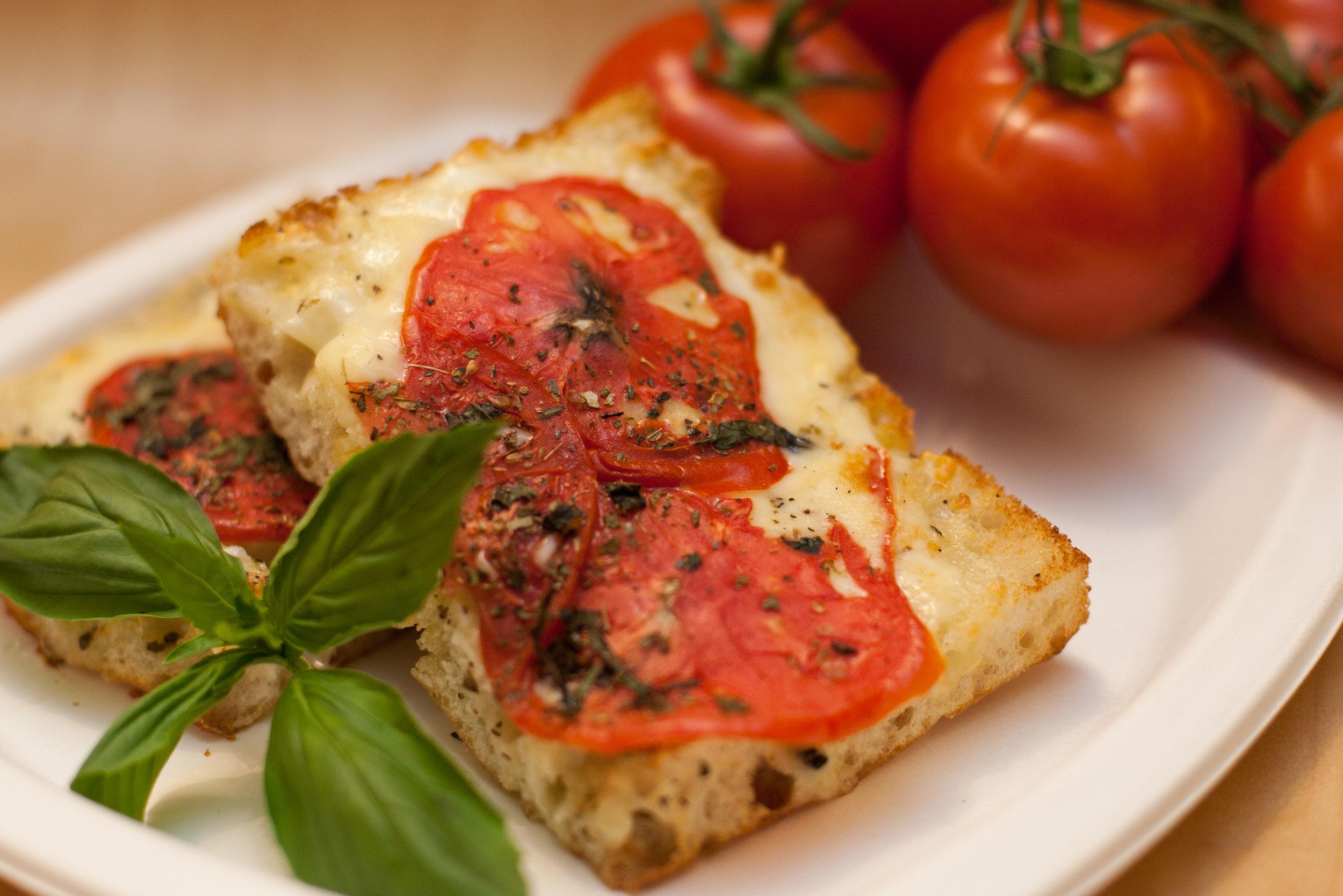Tomato Flatbread (1).jpg