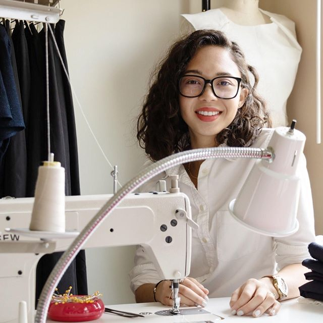 NEW EPISODE IS LIVE YOU GUYS! Mimi Miller of @shopmimimiller wasn't finding the clothes she was looking for so decided to launch her own line of effortless, modern, and classic designs. We sat down with her to get the 411 on how she started the business, where she turns to for inspiration, and how Google has been her best business partner. Head to DownTheFoxhole.com to check out the full interview - AND to find out how you can get 20% off at shopmimimiller.com #dtfhpodcast ⠀⠀⠀⠀⠀⠀⠀⠀⠀ .⠀⠀⠀⠀⠀⠀⠀⠀⠀ .⠀⠀⠀⠀⠀⠀⠀⠀⠀ #entrepreneur #thefoxden #girlboss #dailythustle #businesswomen #womeninbiz #womensupportingwomen #creativeminds #thehappynow #getinspired #shoplocal #wordsofwisdom #dailythoughts #dailyhustle #babesinbusiness #acreativedc #womeninbiz #calledtobecreative #motivationalquotes #thatsdarling #risingtidesociety #womensupportingwomen #designyourlife #fallfashion #makersmovement #womenswear #womensfashion #salesalert