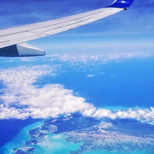 ceremony-travel-reviews-group-leader-airplan.jpg