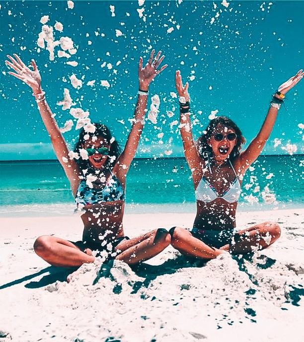 Happy #internationalwomensday to all the powerful, beautiful, brilliant and brave women! 🙌💪🌎💕 • • • #Ceremony #FindParadise #travel #traveloften #gradtrip #adventureseeker #doyoutravel #goexplore #seekmoments #adventure #foreversummer #internationalwomensday #girlpower