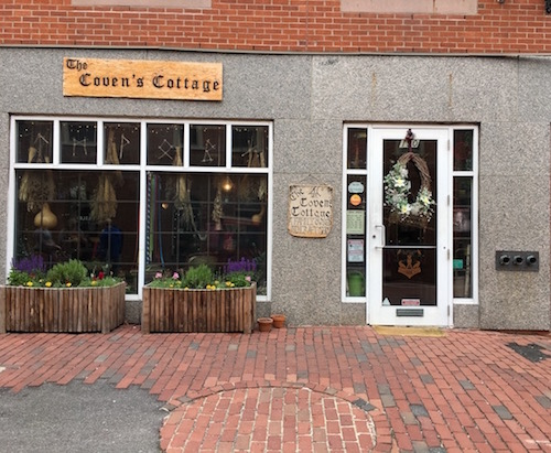 The Coven's Cottage - one of my favourite shops in Salem.
