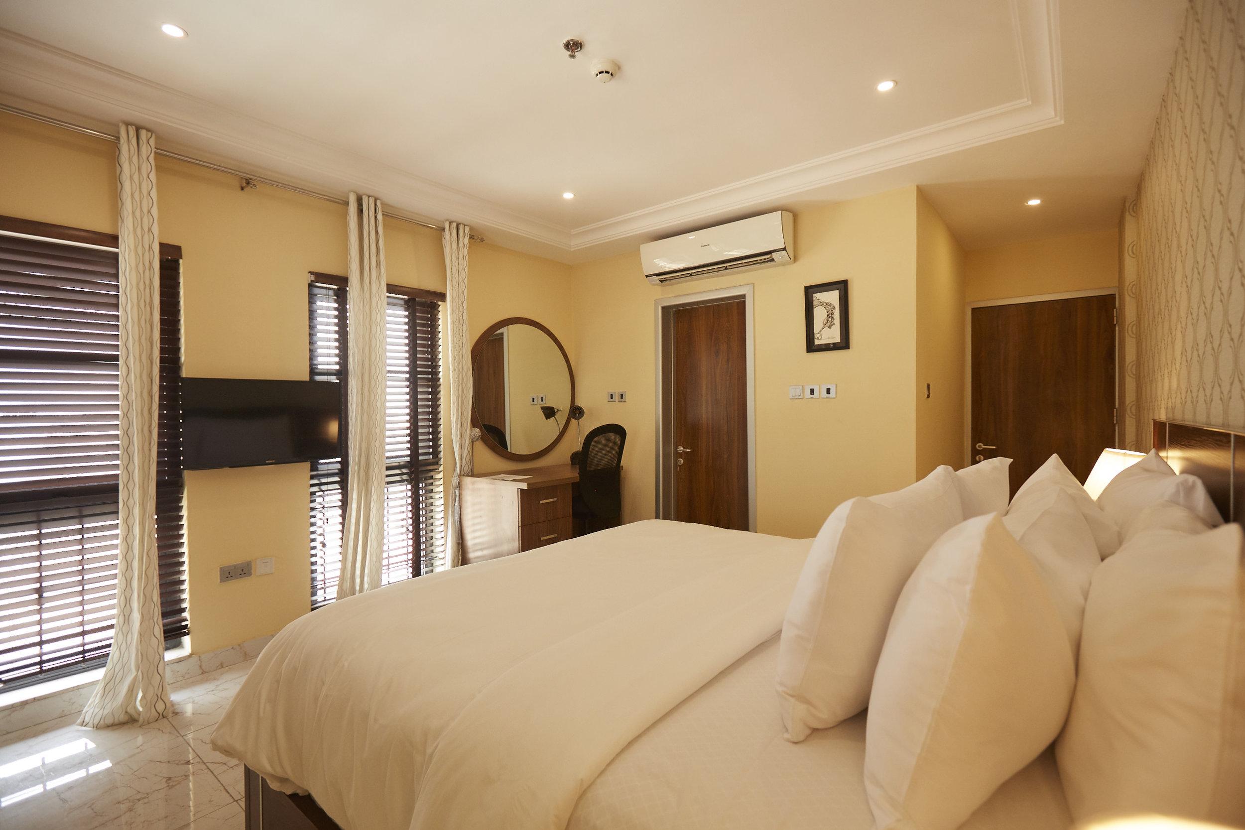1 Bed Deluxe Bedroom 1.jpg