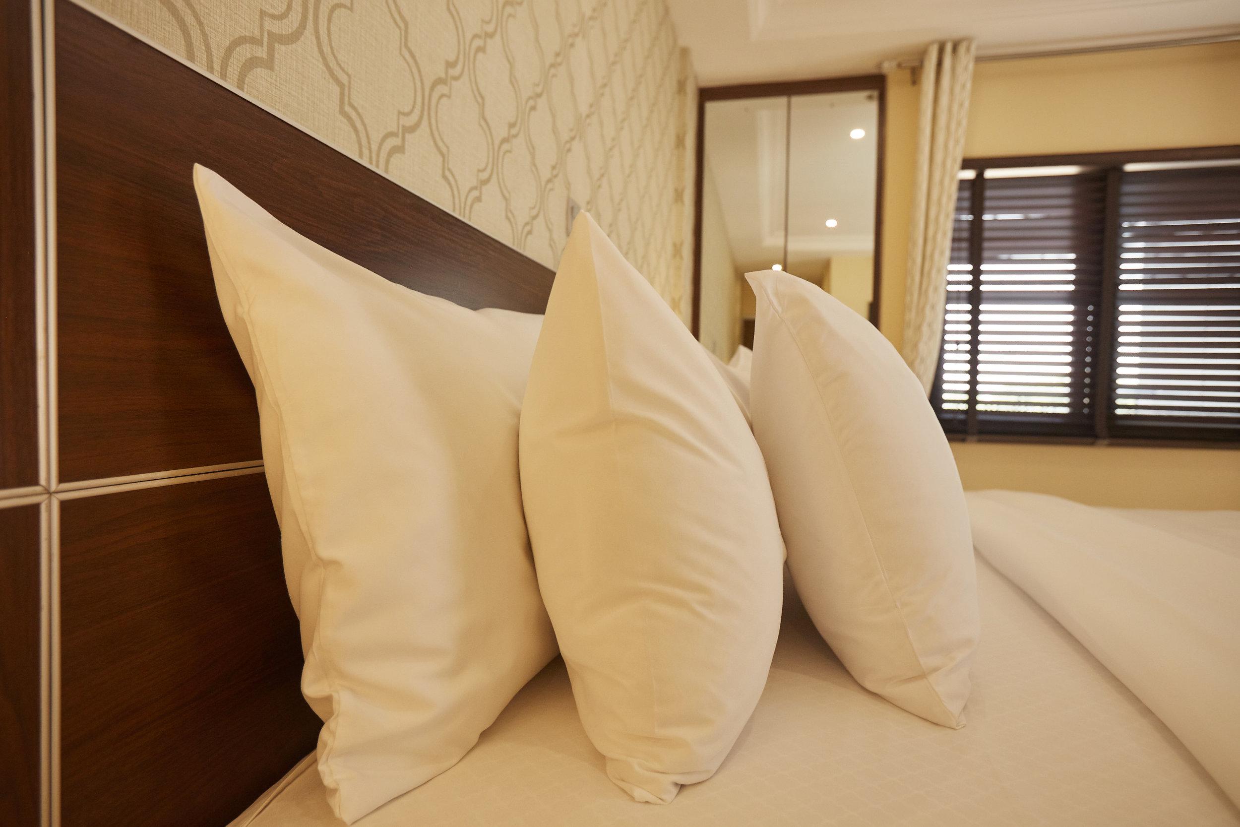 1 Bed Deluxe Bedroom 2.jpg