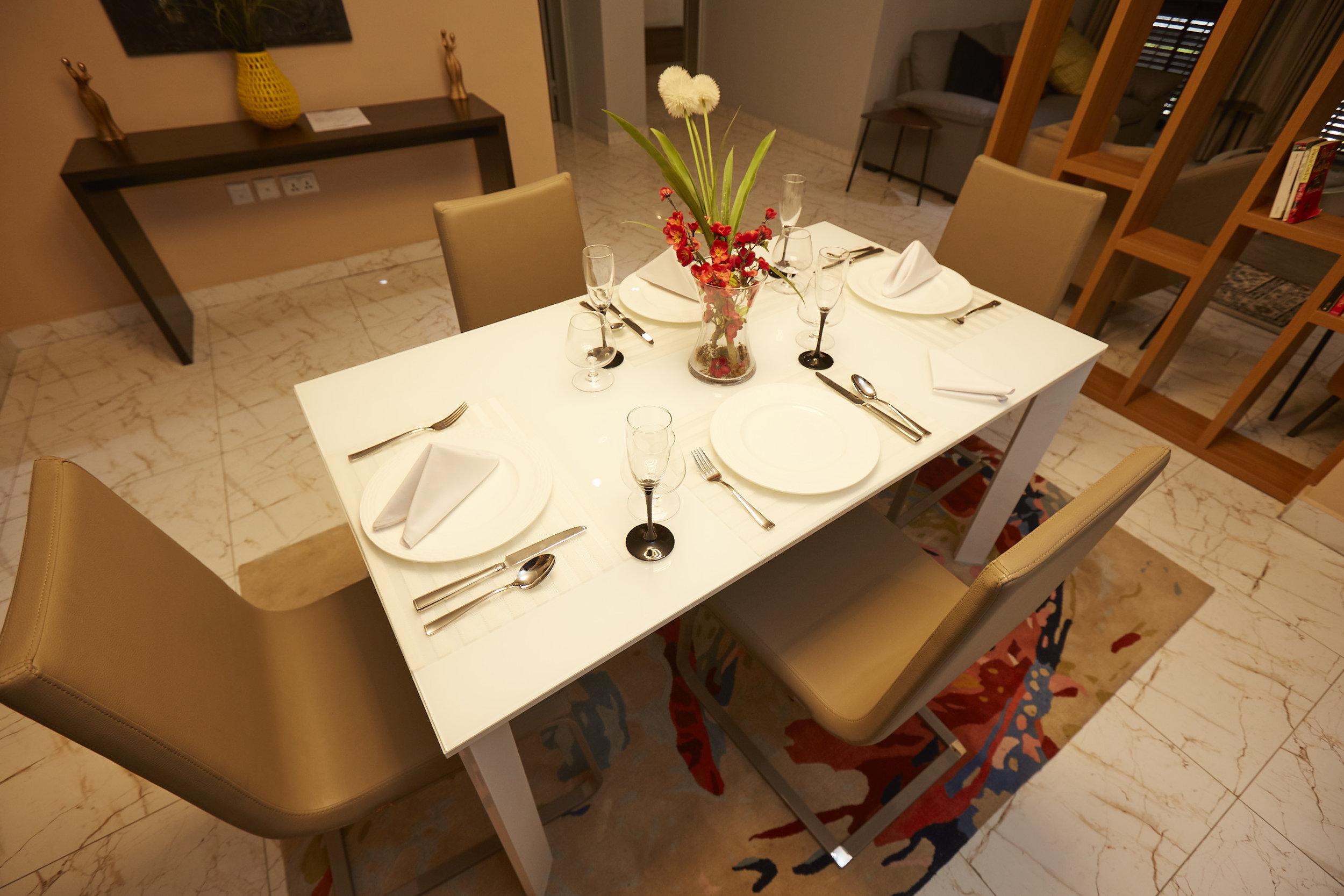 2 Bed Exec Dining 5.jpg