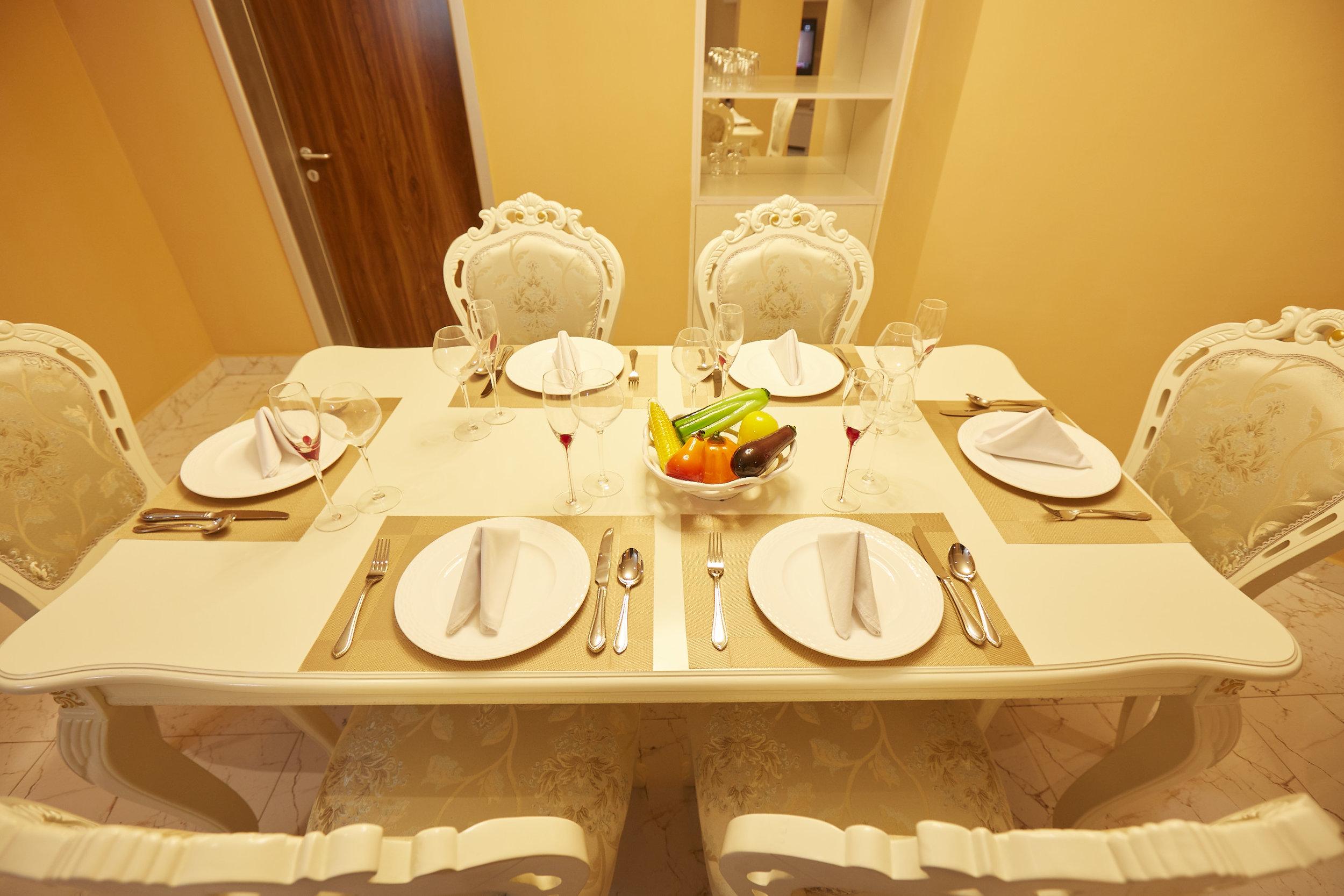 2 Bed Royale Dining Room 5.jpg