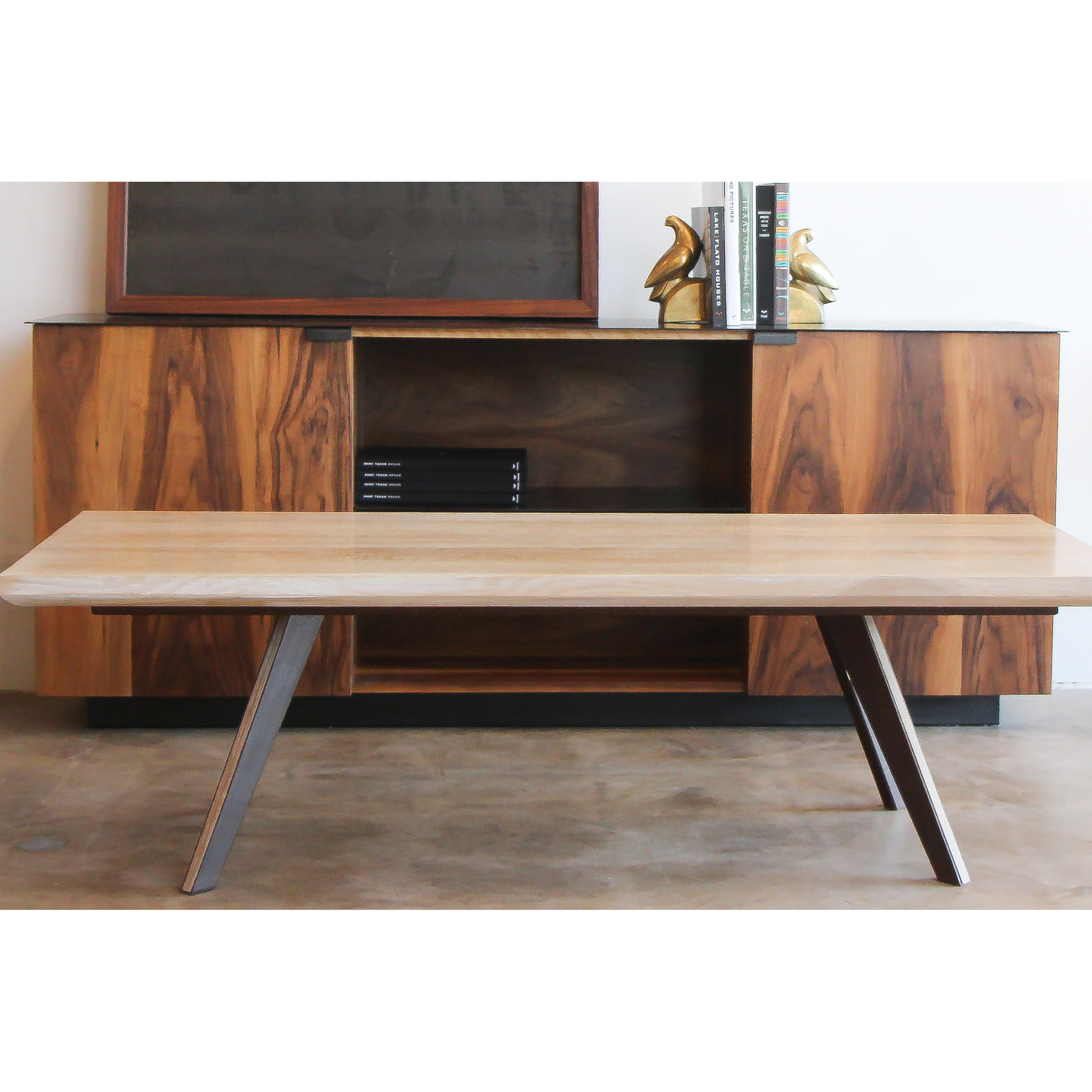 credenza_with_arrowtable.jpg
