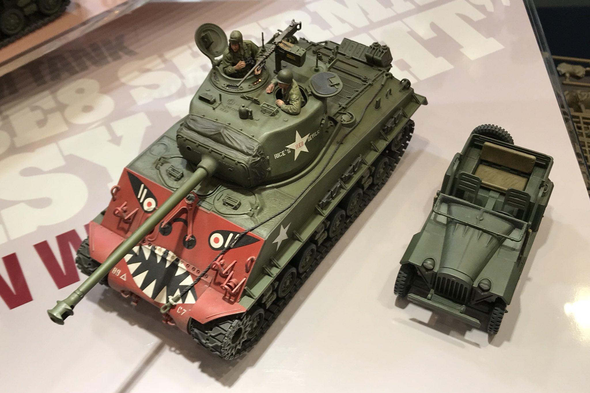 "Tamiya-35359-1-35-U.S.-Medium-Tank-M4A3E8-Sherman-""Easy-Eight""-Korean-War-f.jpg"